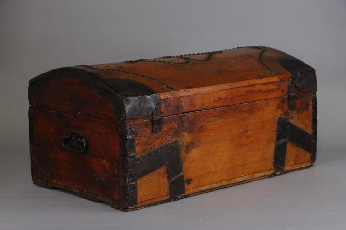 AMERICAN METAL MOUNTED & BRASS TACK DECORATED TRUNK - 5