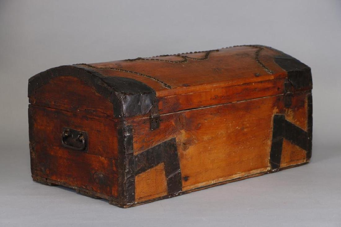 AMERICAN METAL MOUNTED & BRASS TACK DECORATED TRUNK - 6