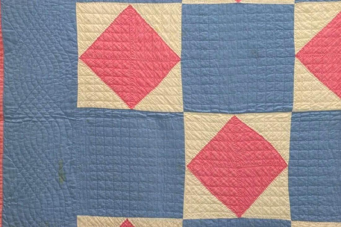 AMERICAN FIRST-HALF 20th-CENTURY SQUARE PATTERN QUILT - 3