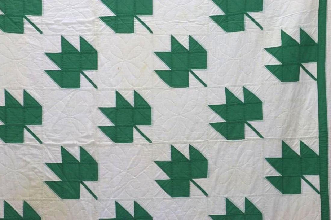 AMERICAN FIRST-HALF 20th-CENTURY LEAF PATTERN QUILT - 3