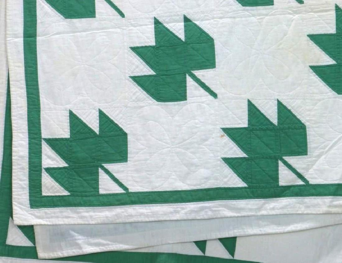 AMERICAN FIRST-HALF 20th-CENTURY LEAF PATTERN QUILT - 4