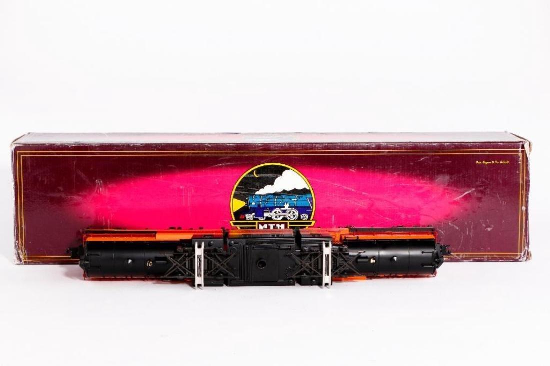 MTH O Gauge Milwaukee Bi-Polar Locomotive - 3