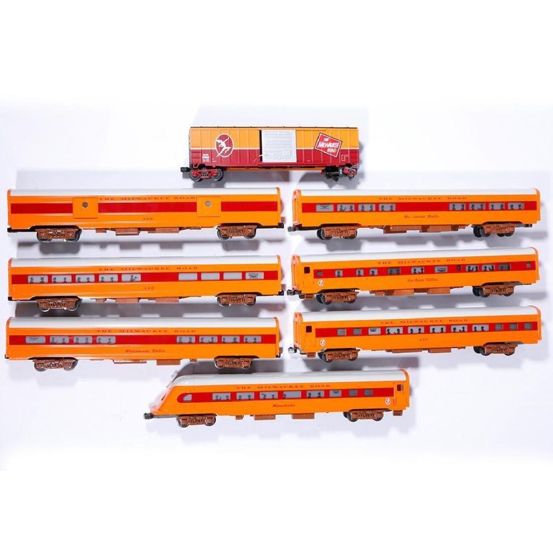 Phoenix Railways Hiawatha 8-Car O Gauge Passenger Set - 3