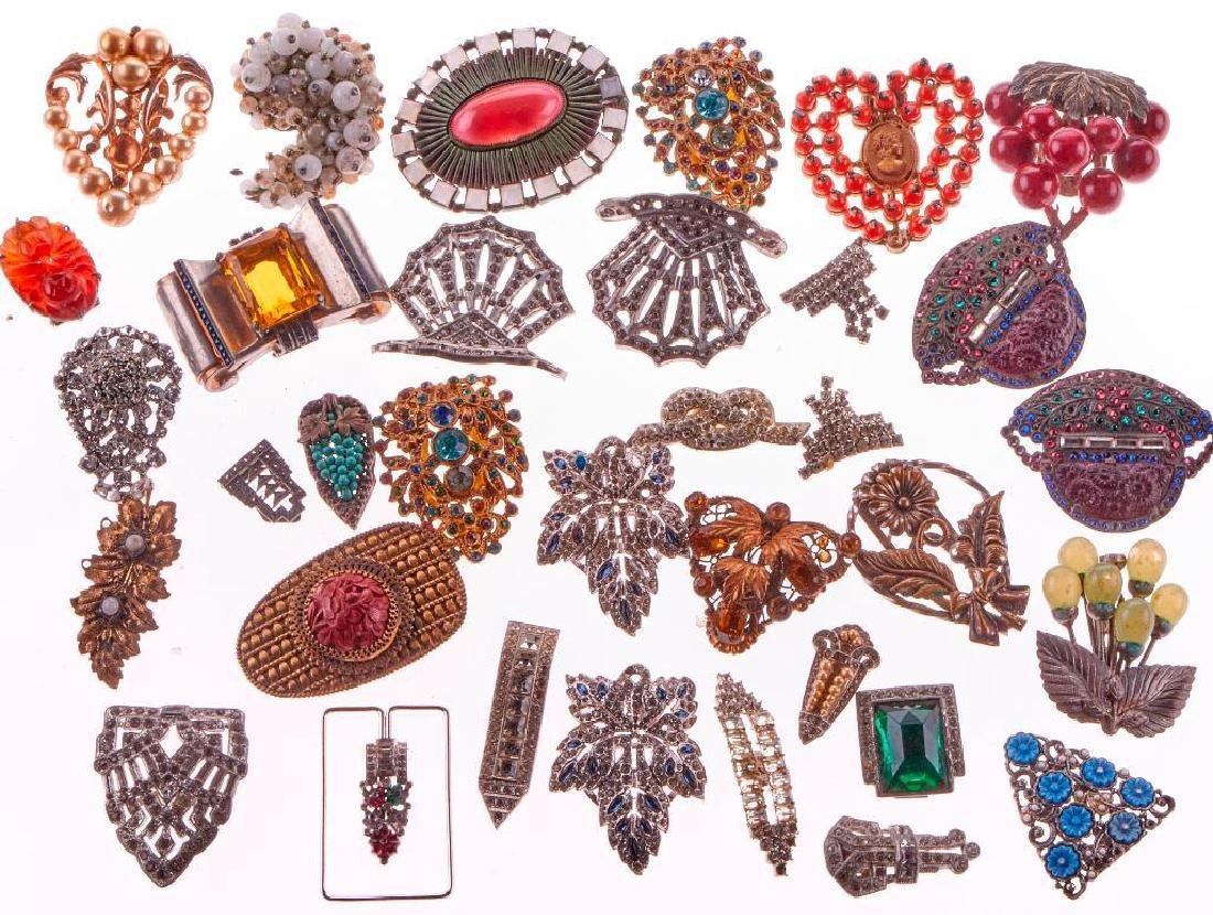 Collection of vintage rhinestone clip brooches