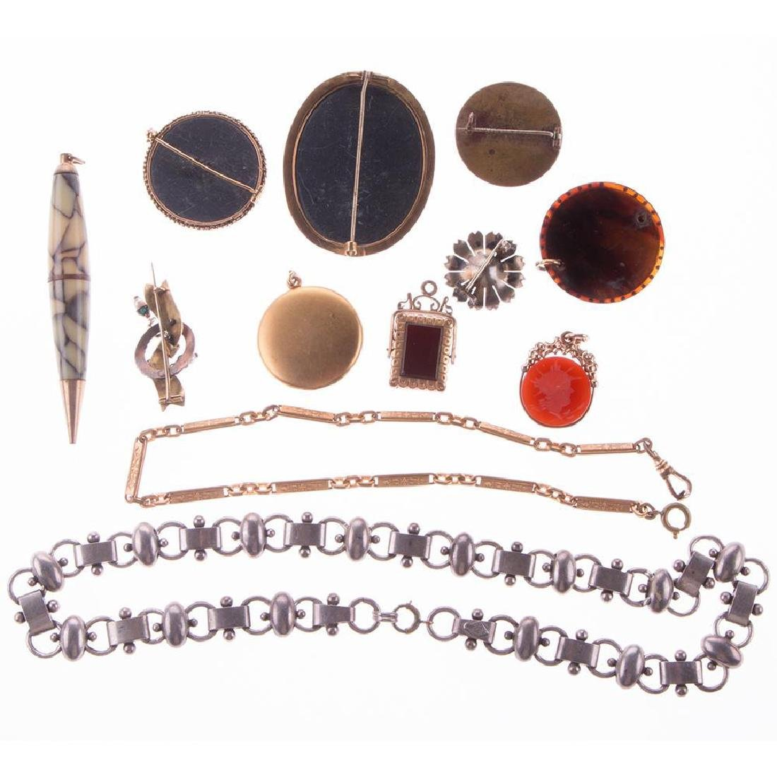 Collection of antique and vintage jewelry - 2