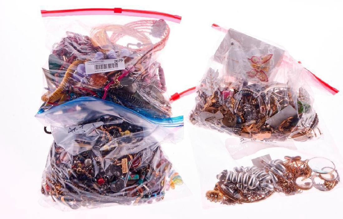 Collection of 250+ assorted pieces of costume jewelry - 2