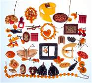 Collection of 30+ bakelite and plastic jewelry