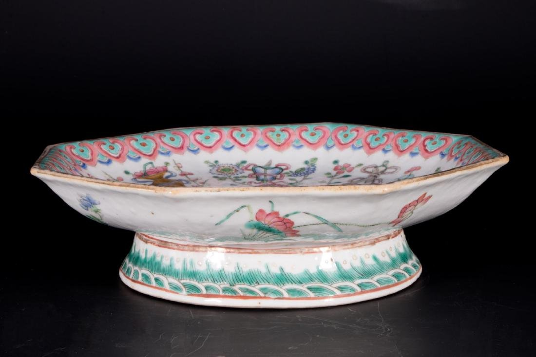 Chinese porcelain footed bowl. - 2