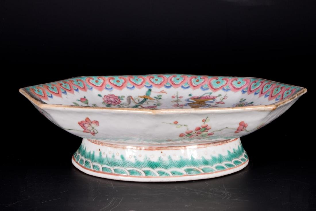 Chinese porcelain footed bowl. - 3