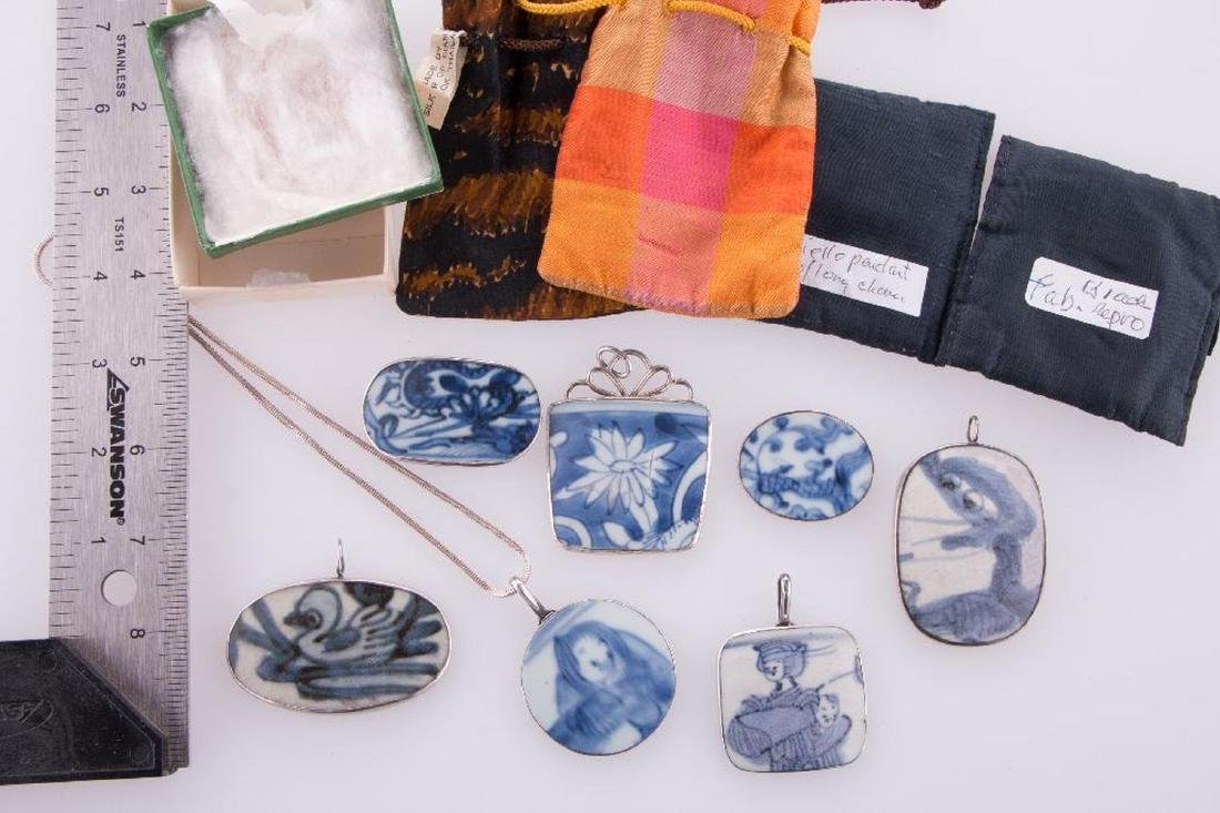 Collection of Asian pendants and purses. - 7