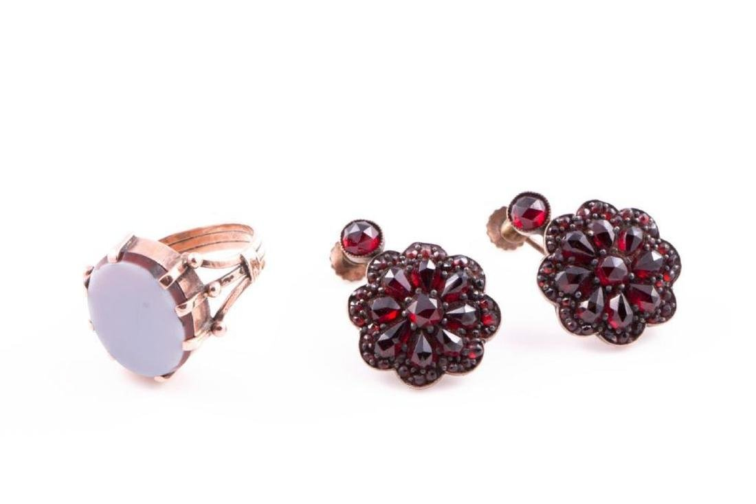 Antique hardstone and 10k gold ring - 2