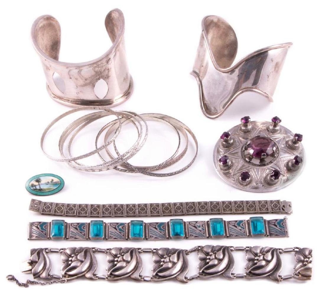 Collection of silver jewelry - 2