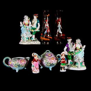 Eight pieces of Japanese porcelain
