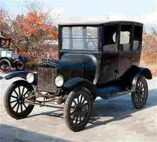1921 Ford Model T Center Door Sedan