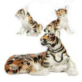 Russian Lomonosov Porcelain Tiger Group