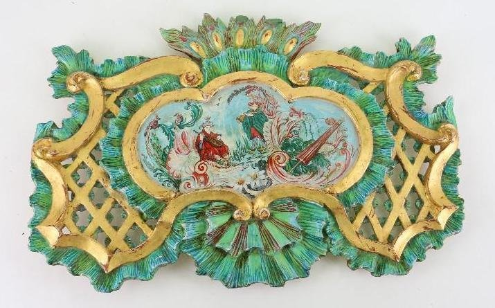 CHINOISERIE CARVED, PAINTED AND GILDED WOOD PLAQUE