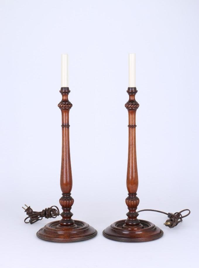 PAIR OF NEOCLASSICAL STYLE MAHOGANY CANDLESTICK LAMPS