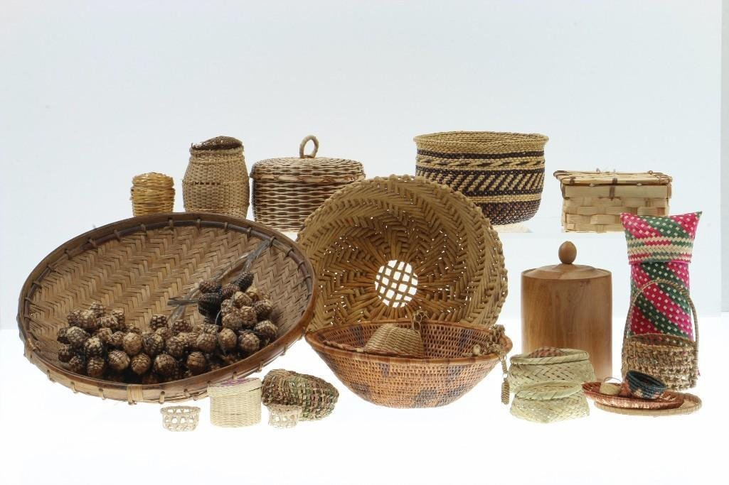 COLLECTION OF ETHNOGRAPHIC BASKETRY ITEMS