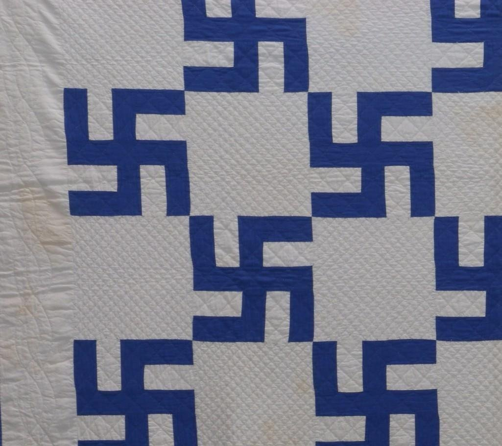 AMERICAN 20TH CENTURY HOOKED CROSS PATTERN QUILT - 3