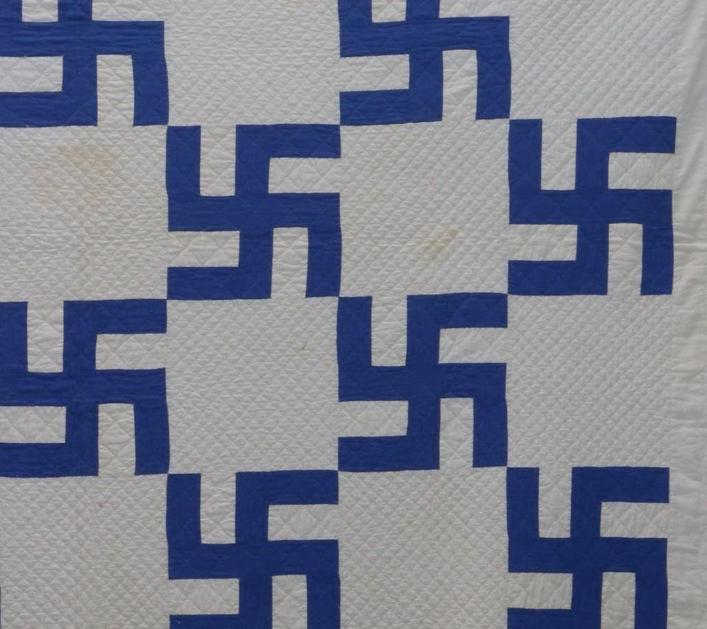 AMERICAN 20TH CENTURY HOOKED CROSS PATTERN QUILT - 4