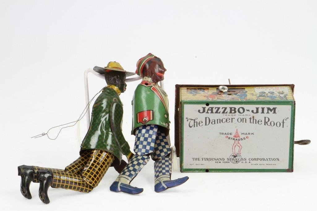 Unmatched Dancing Figures with (1) Clockwork Base (Hous - 5
