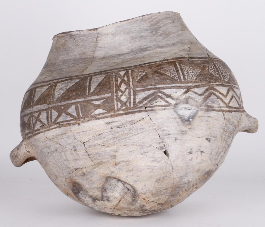 Anasazi black-on-white olla