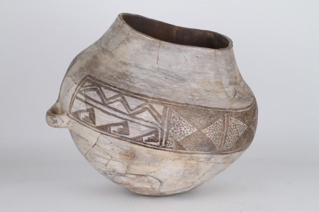 Anasazi black-on-white olla - 5