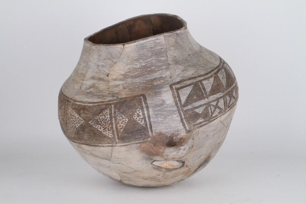 Anasazi black-on-white olla - 6