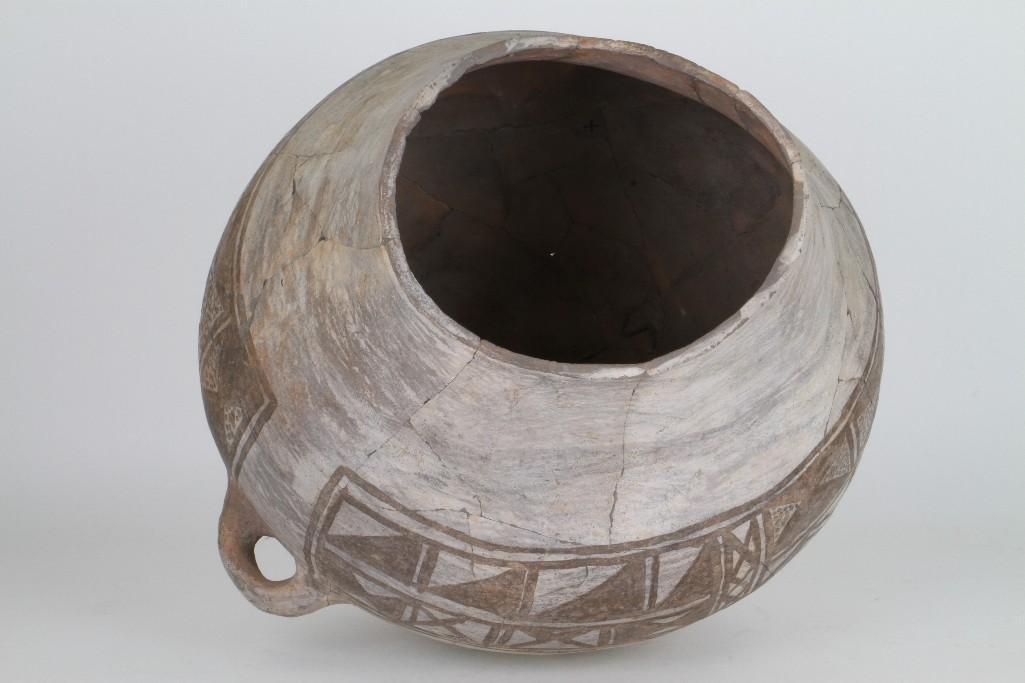 Anasazi black-on-white olla - 7