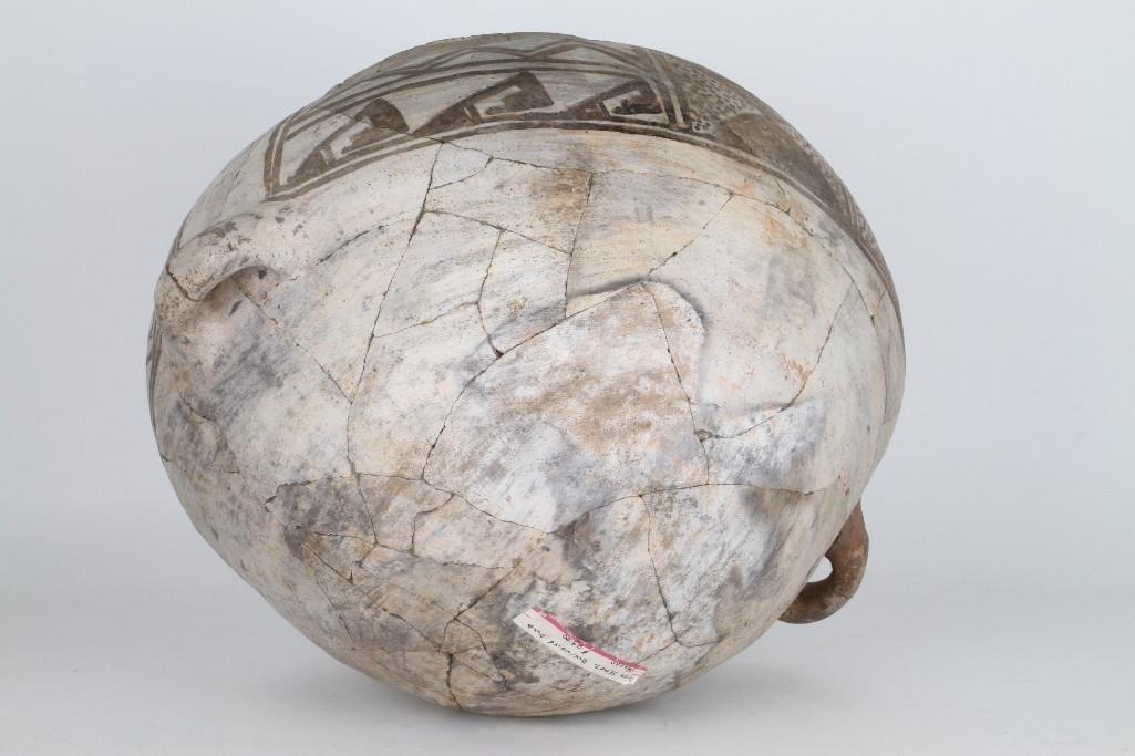 Anasazi black-on-white olla - 8