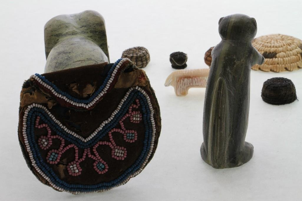 Group of Native American items - 4