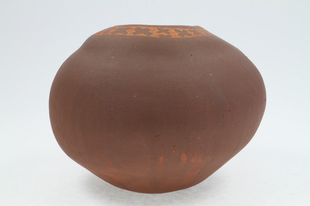 Santa Clara sgraffito jar - 2