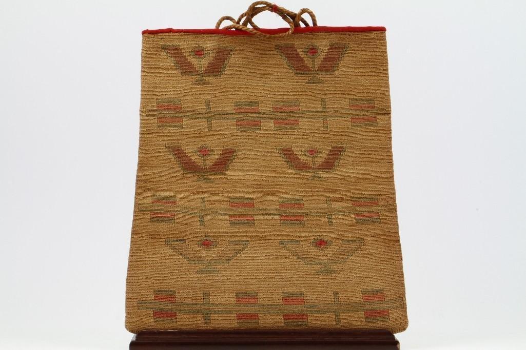 Plateau pictorial cornhusk bag