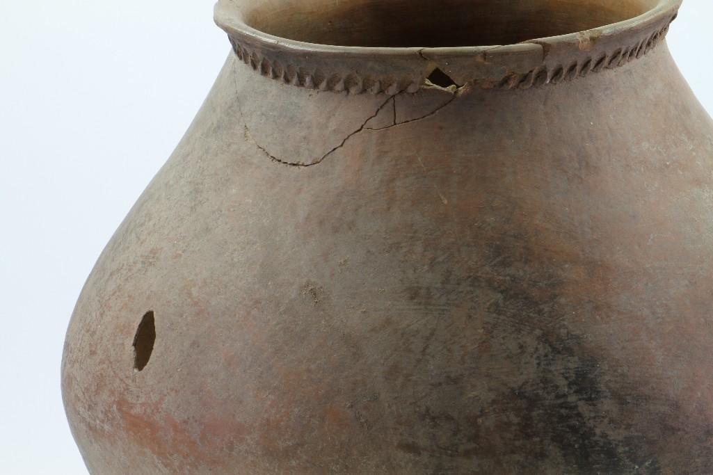 Mojave area prehistoric storage jar - 7