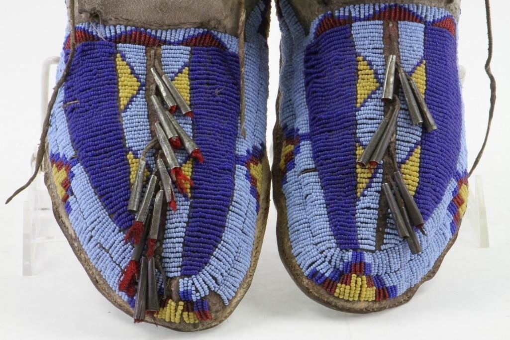 Pair of Cheyenne beaded moccasins - 10
