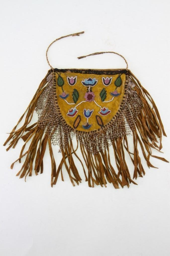 Crow beaded pouch - 2