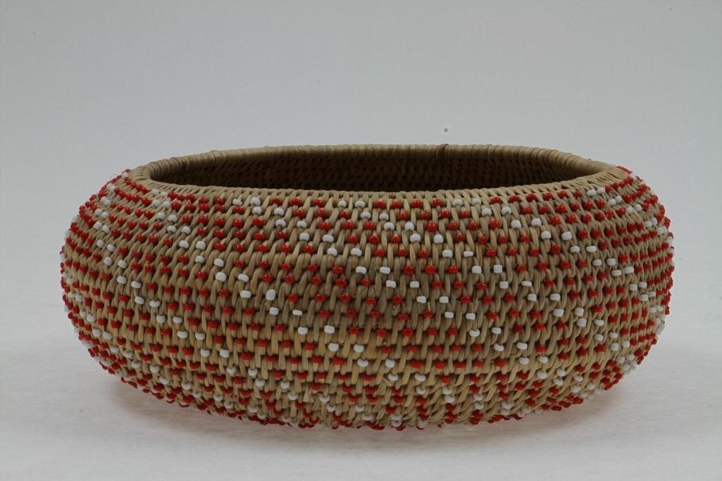 Pomo beaded basket - 3