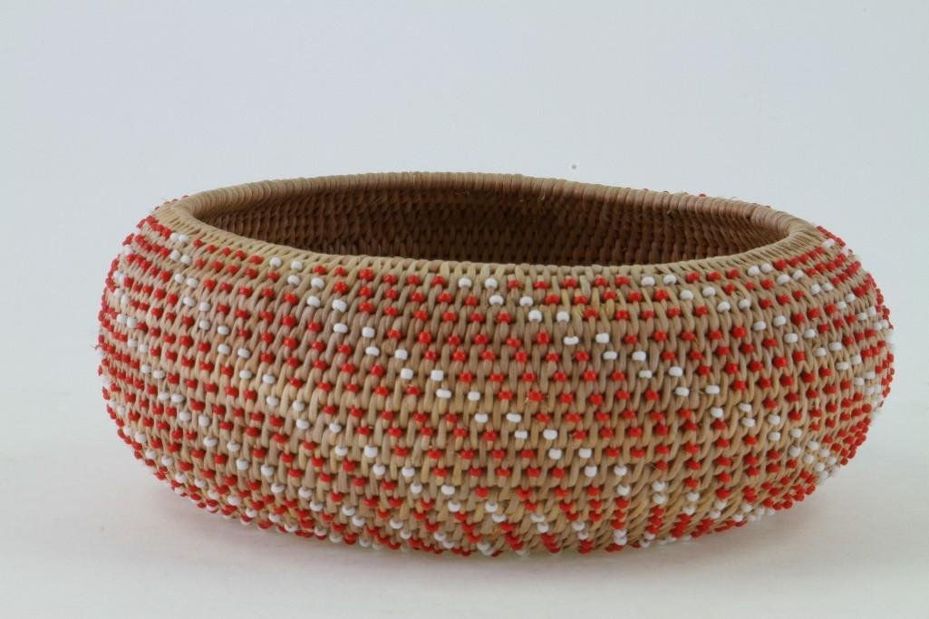 Pomo beaded basket - 4