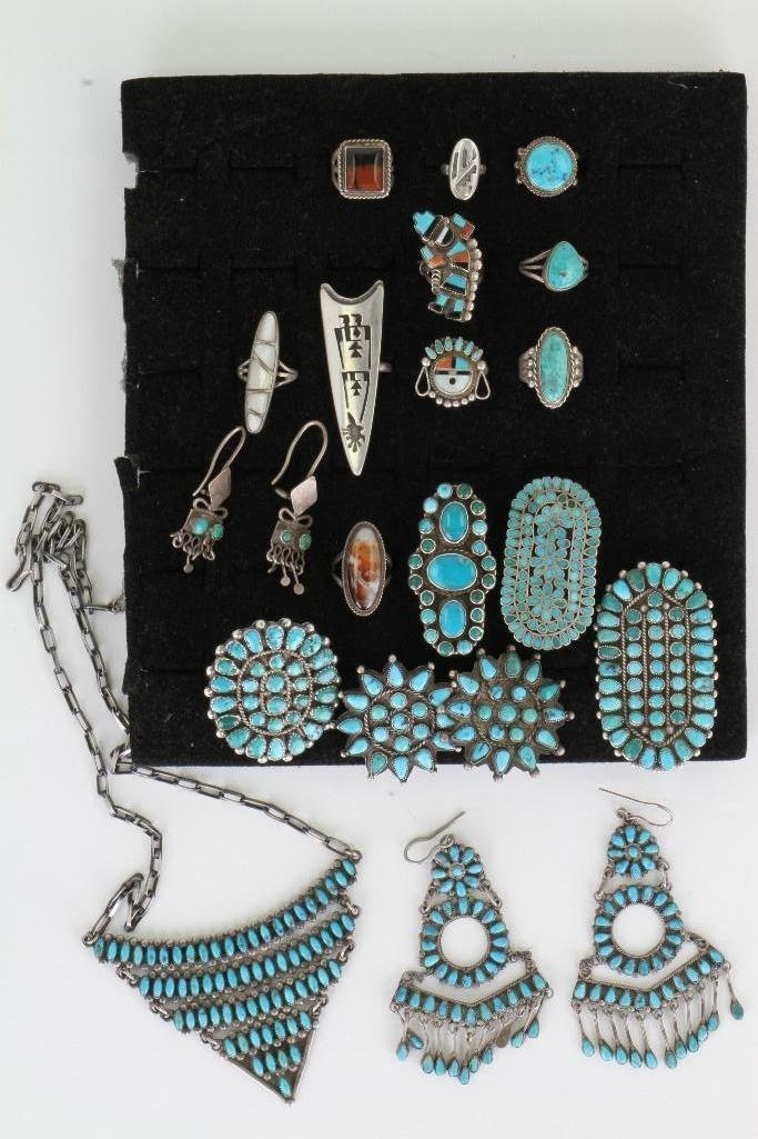 Collection of Navajo, Hopi and Zuni jewelry items