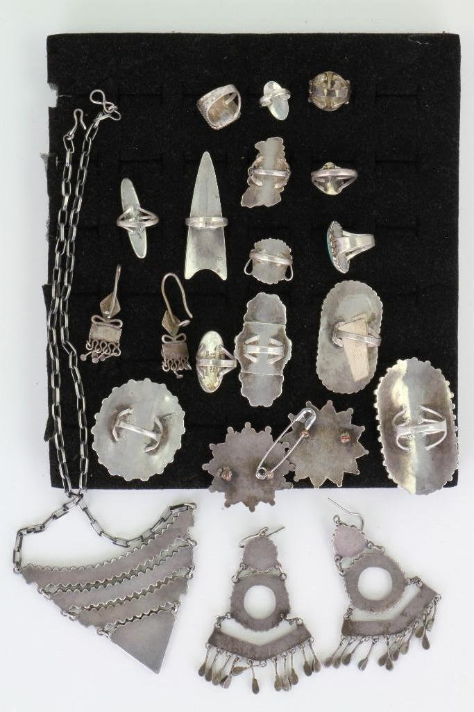 Collection of Navajo, Hopi and Zuni jewelry items - 3
