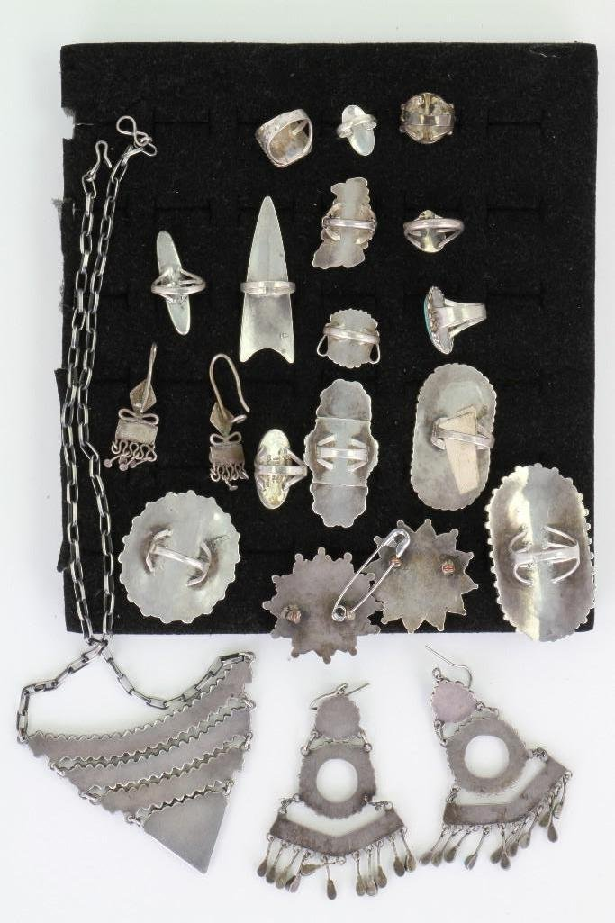 Collection of Navajo, Hopi and Zuni jewelry items - 4