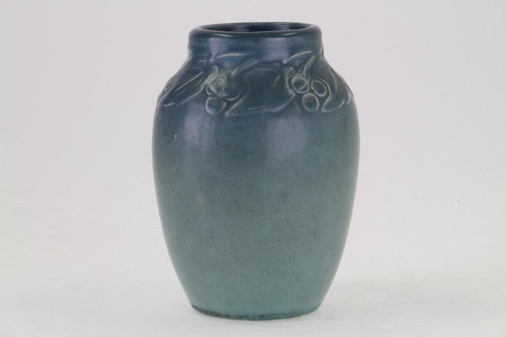 ROOKWOOD POTTERY MATT GLAZE VASE, 1920 - 4