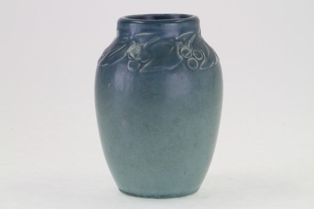 ROOKWOOD POTTERY MATT GLAZE VASE, 1920 - 5