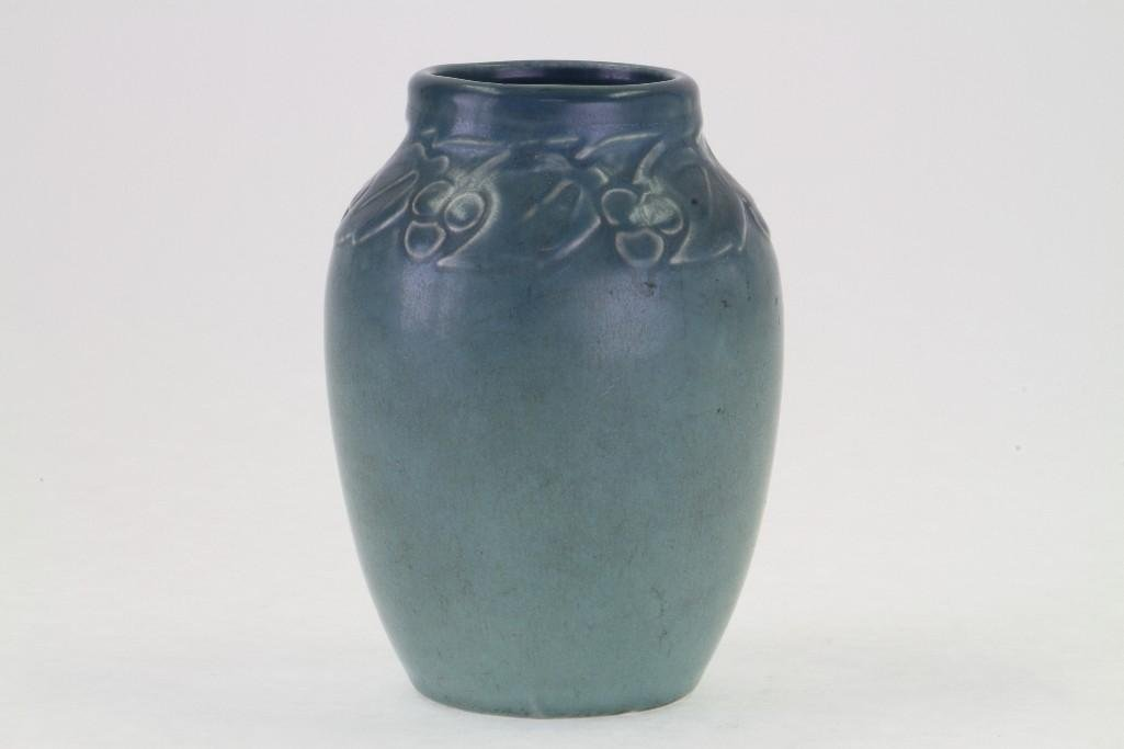 ROOKWOOD POTTERY MATT GLAZE VASE, 1920 - 6