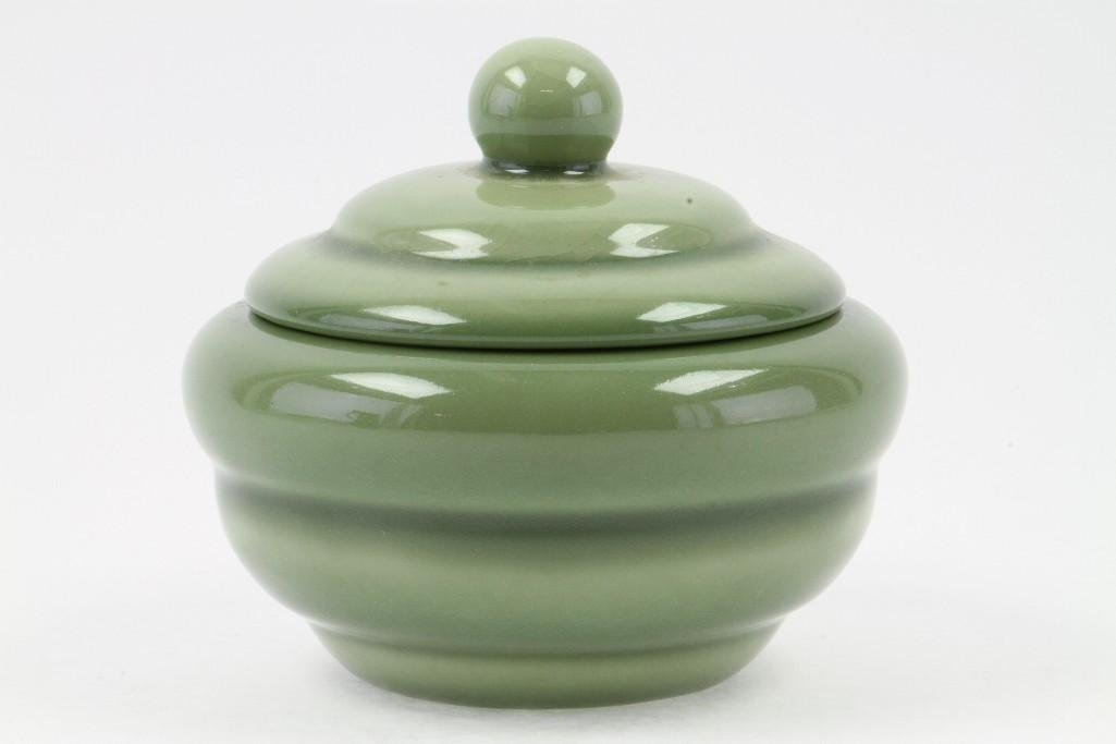 ROOKWOOD POTTERY COVERED BOWL, 1946