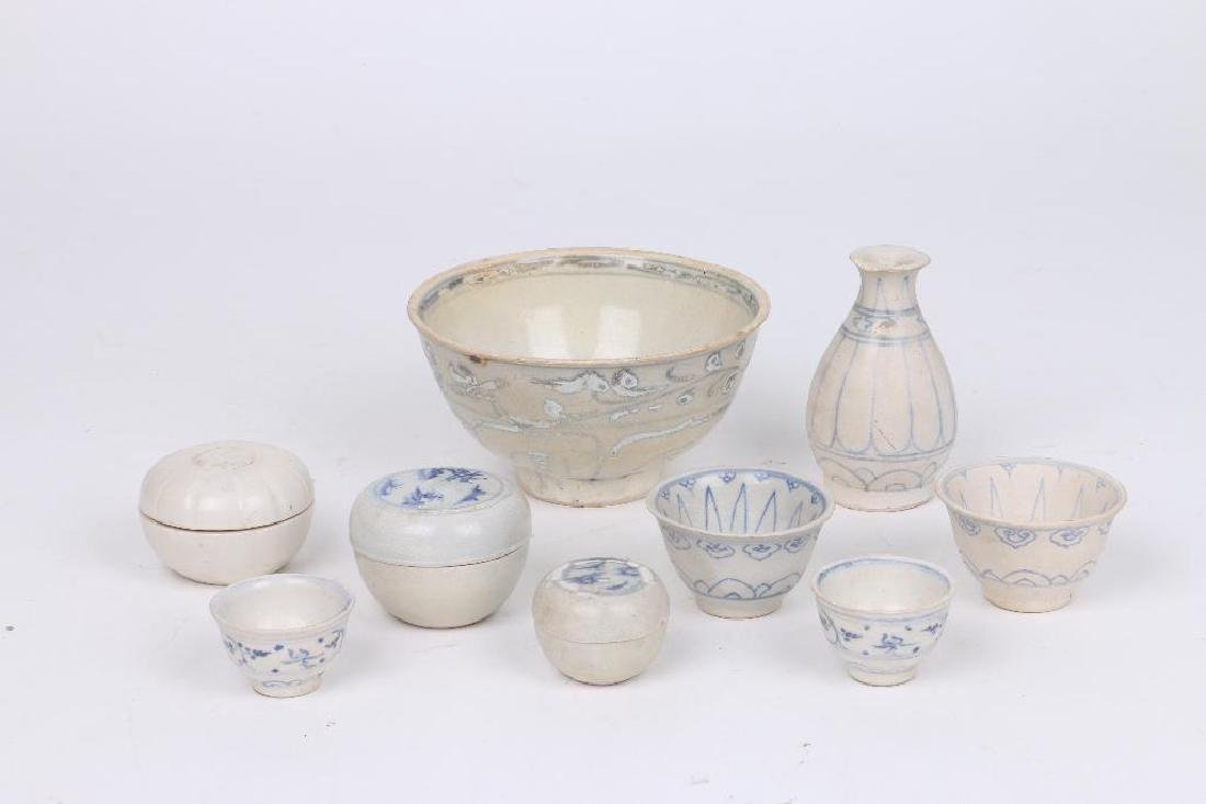 NINE 15TH/16TH CENTURY ASIAN BLUE AND WHITE CERAMICS