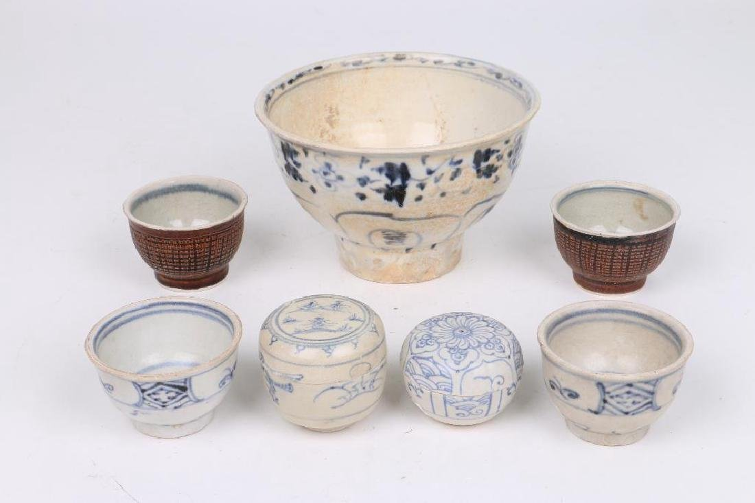 SEVEN 15TH/16TH CENTURY ASIAN BLUE AND WHITE CERAMICS