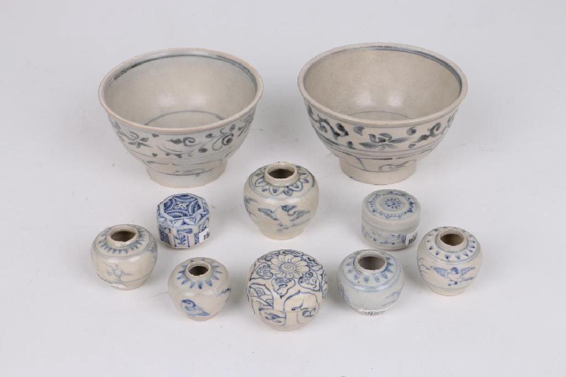 TEN 15TH/16TH CENTURY ASIAN BLUE AND WHITE CERAMICS