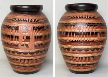 Large Navajo Etched Pot