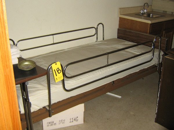 1B: Hospital bed & overbed table
